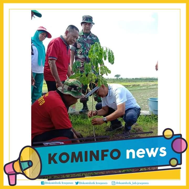 Bupati Kabupaten Jeneponto,  Drs. H. Iksan Iskandar, M.Si memimpin langsung gerakan penanaman pohon dalam rangka mewujudkan penghijauan yang merupakan program nasional.