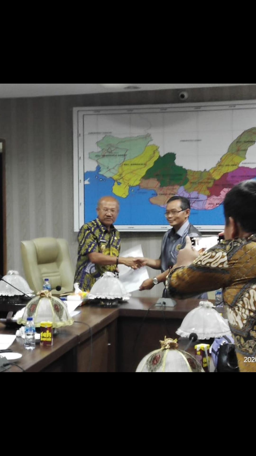 Bupati Jeneponto menerima Tim Badan Pemeriksa Keuangan (BPK) R.I. Perwakilan Makassar, Kamis (30/01/2020)